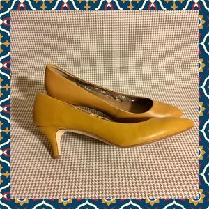 SEYCHELLES spicy mustard yellow 🐱 kitten heels
